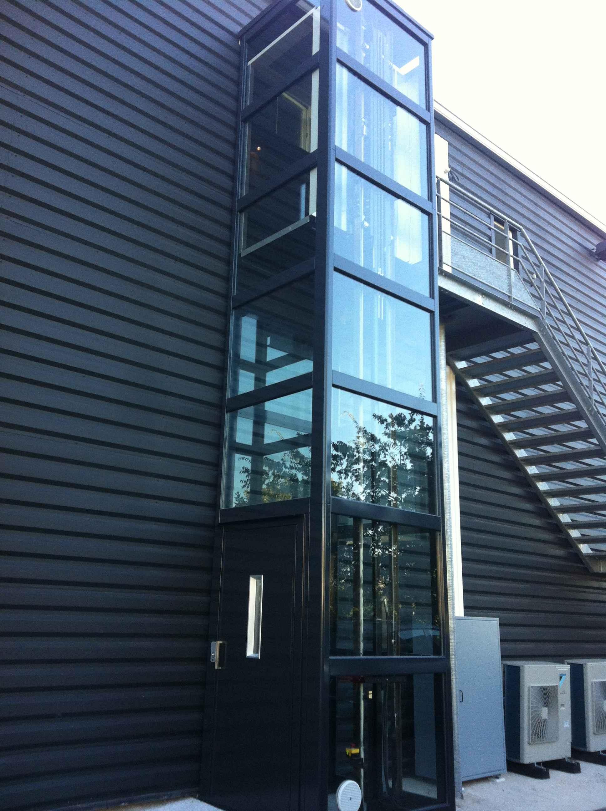 ascervi mini ascenseur batiment industriel. Black Bedroom Furniture Sets. Home Design Ideas