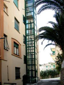 mini-ascenseur petit immeuble