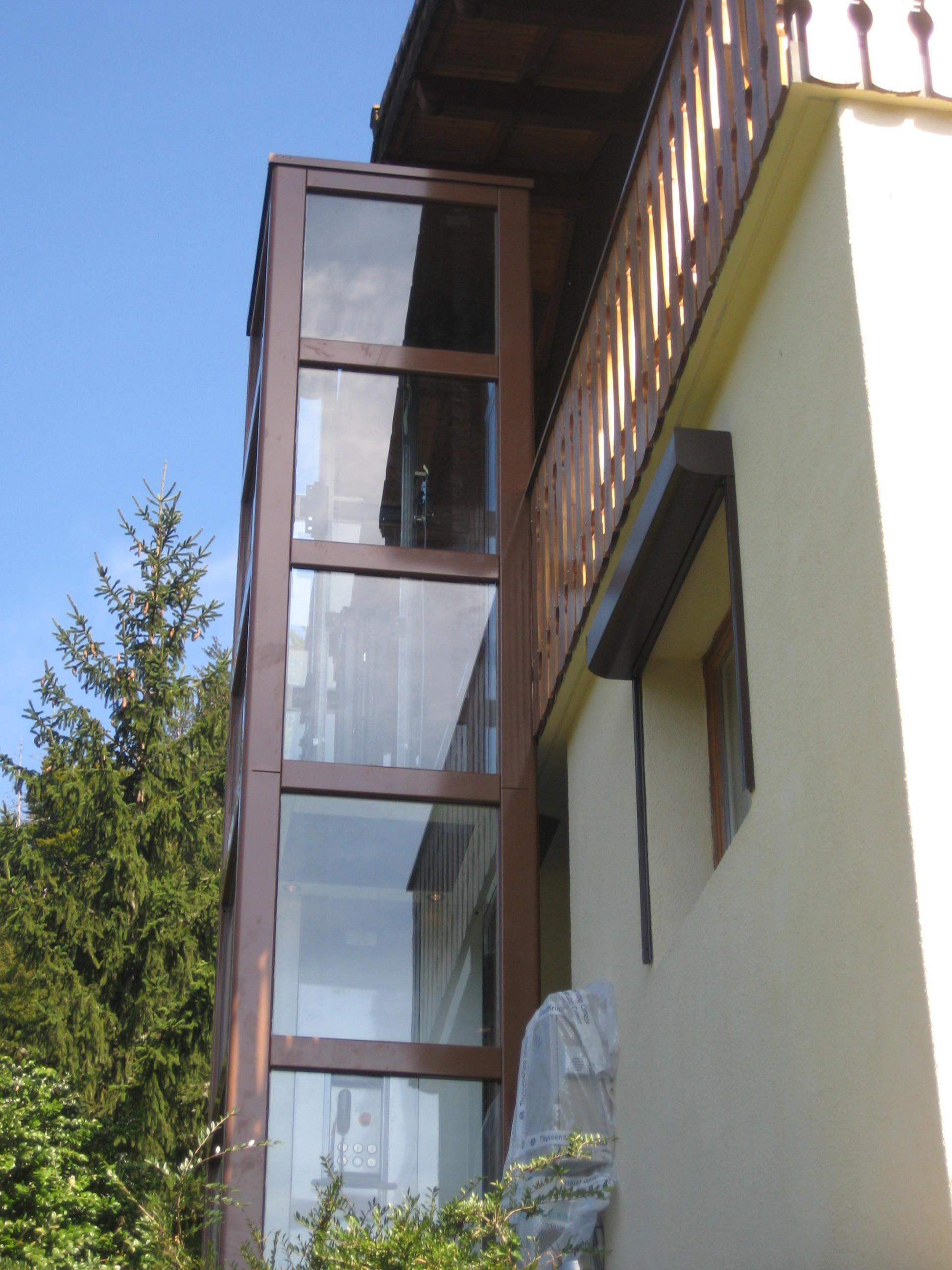 mini-ascenseur-dans-un-chalet